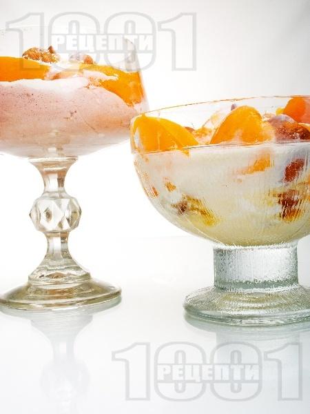 Домашен десертен крем от кайсии, извара и пудра захар - снимка на рецептата